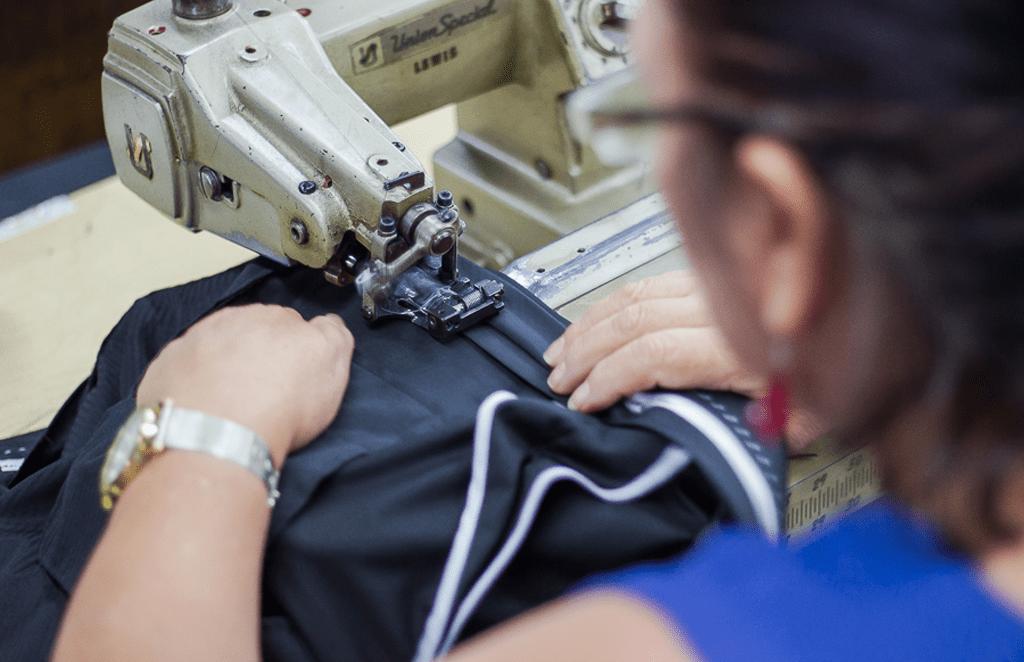 5 principales tipos de costura en uniformes corporativos