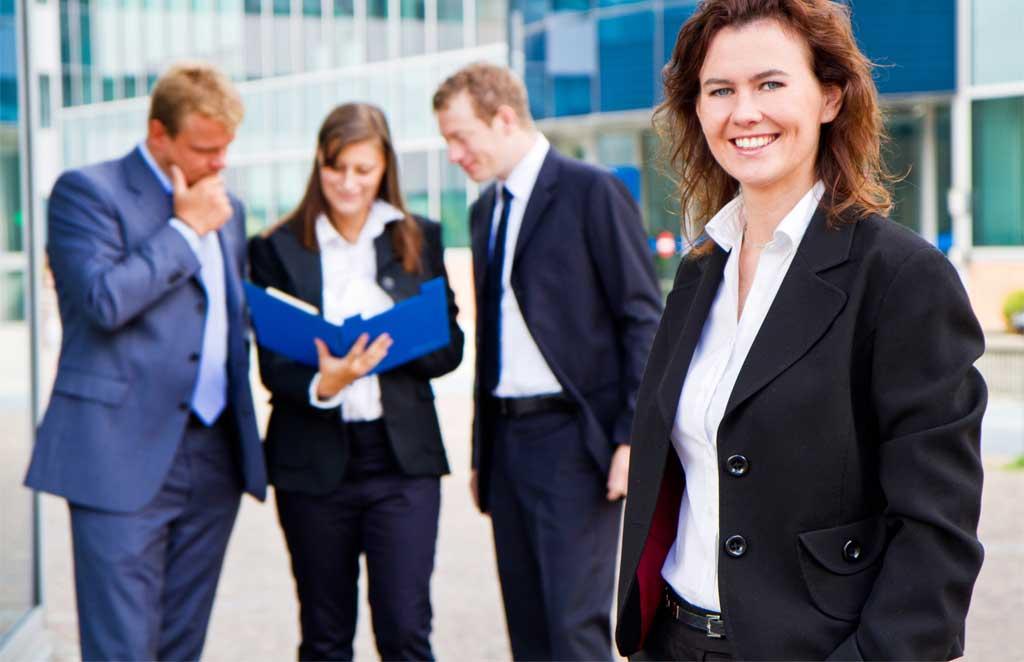 ¿Por qué utilizar uniformes empresariales personalizados?